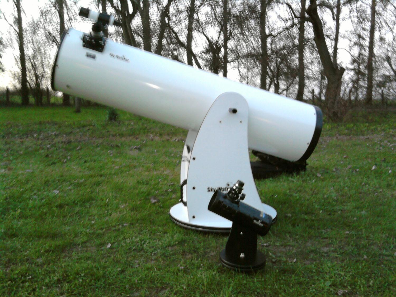Teleskop astronomiczny wskazał gwiazd mgławice u zdjęcie stockowe
